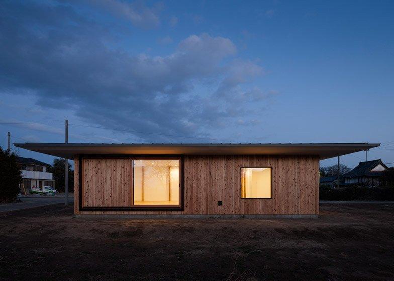 House in Fukaya - Nobuo Araki - Japan - Exterior - Humble Homes
