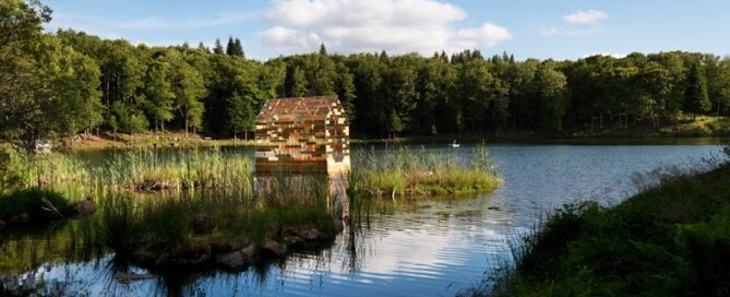 Walden Raft - Elise Morin and Florent Albinet - France - On Lake 1 - Humble Homes