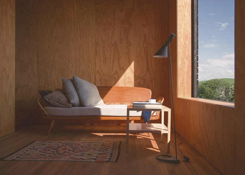 Eyrie - Small Vacation Cabins - Cheshire Architects - New Zealand - Living Area - Humble Homes