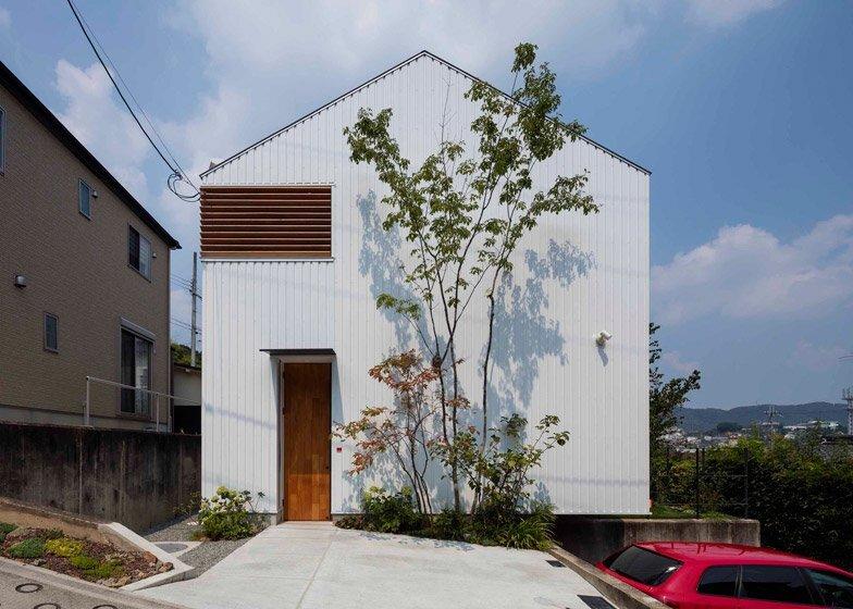 House in Ikoma - Arbol Design Studio - Japan - Exterior - Humble Homes