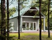 Lithuanian Hunting House - Devyni architektai - Lithuania - Exterior - Humble Homes