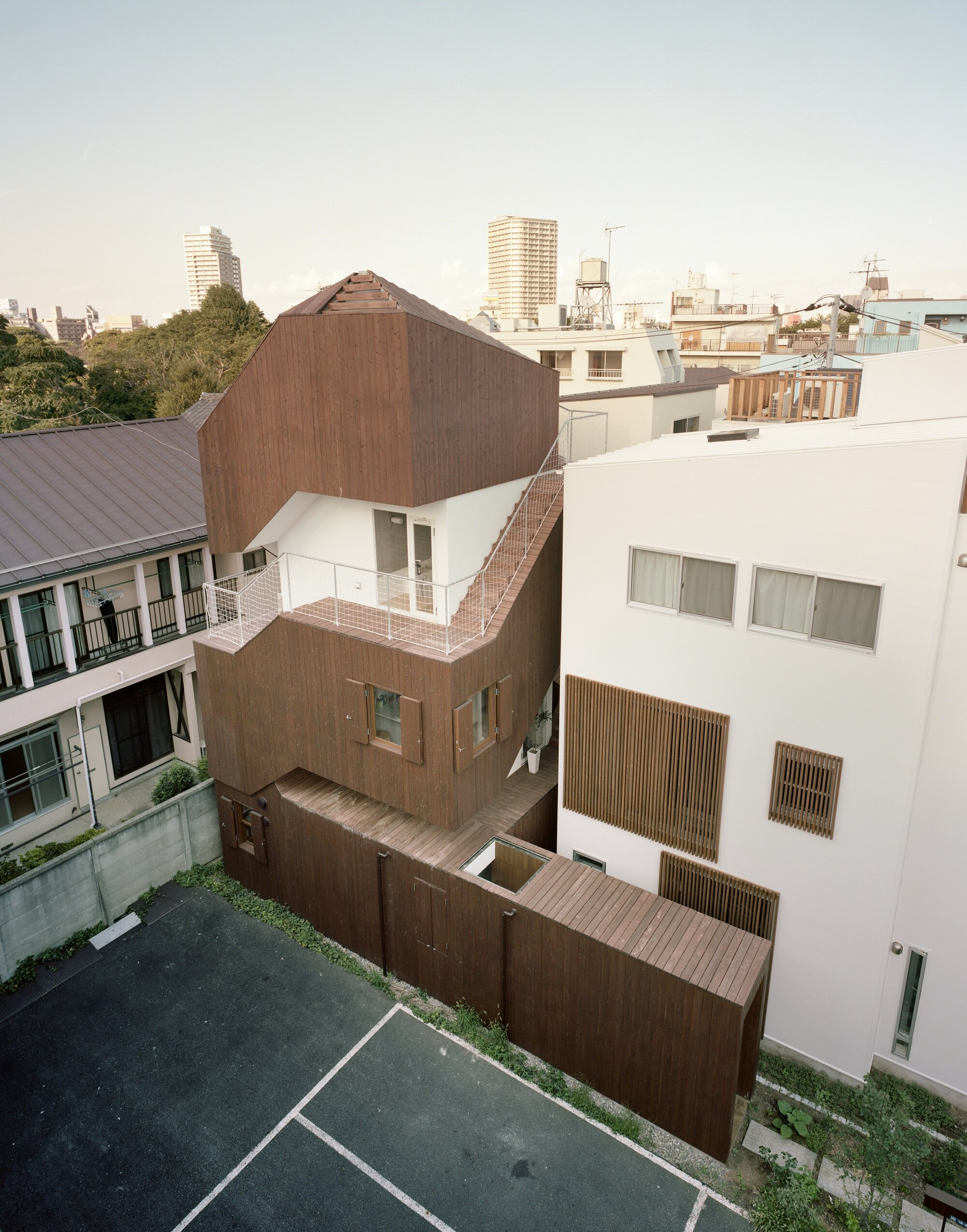 Double Helix House - Onishimaki + Hyakudayuki Architects - Tokyo - Exterior - Humble Homes