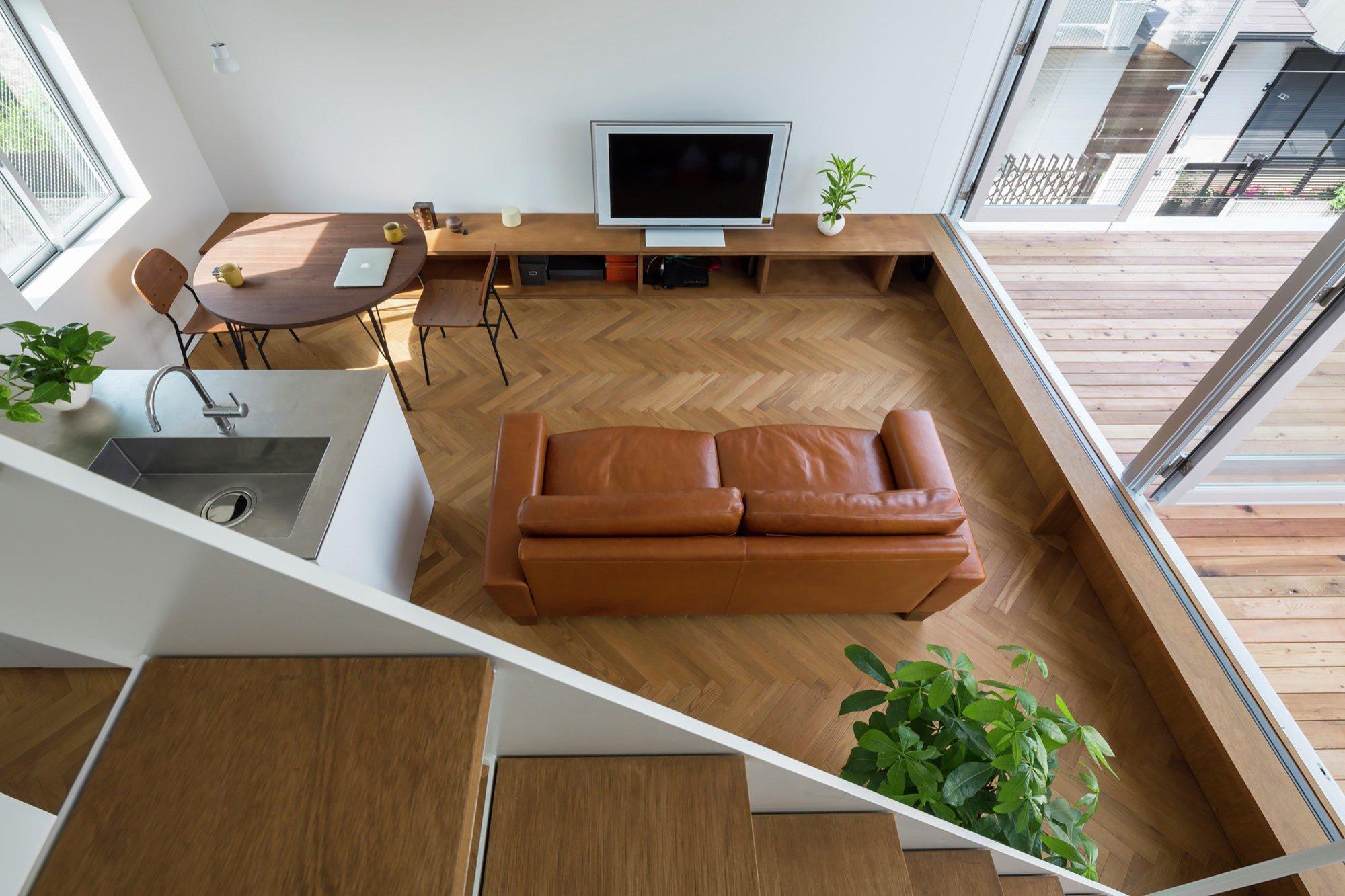 Little House with a Big Terrace - Takuro Yamamoto - Tokyo - Living Area - Humble Homes