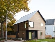 Small House - Jim Vlock Building Project - Yale School of Architecture - New Haven - Exterior - Humble Homes