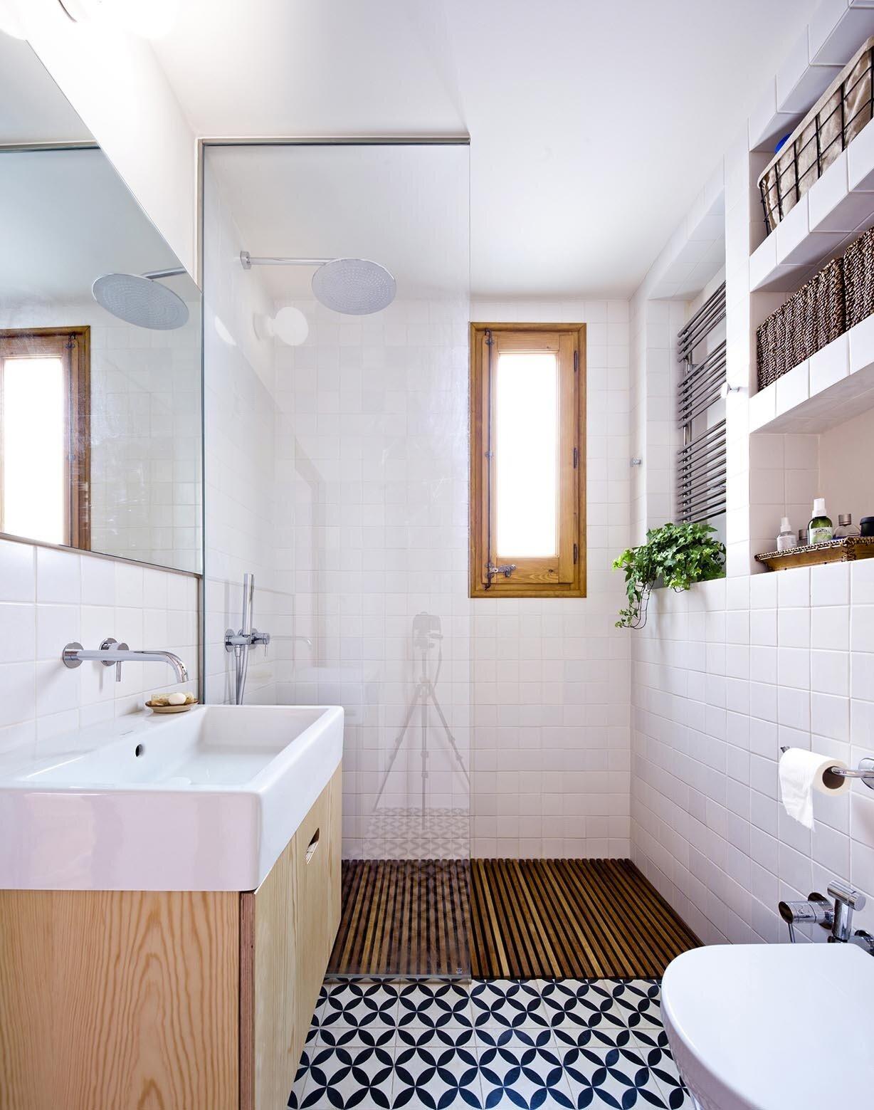 Small Apartment in Gran Via - Bach Arquitectes - Spain - Bathroom - Humble Homes