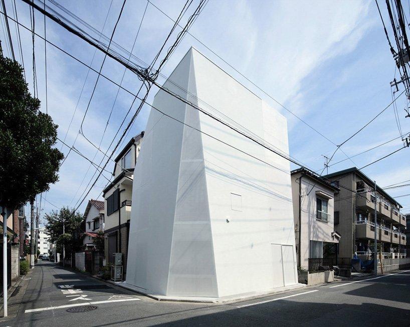 Small Corner House - A.L.X. Junichi SampeI - Japan - Exterior - Humble Homes