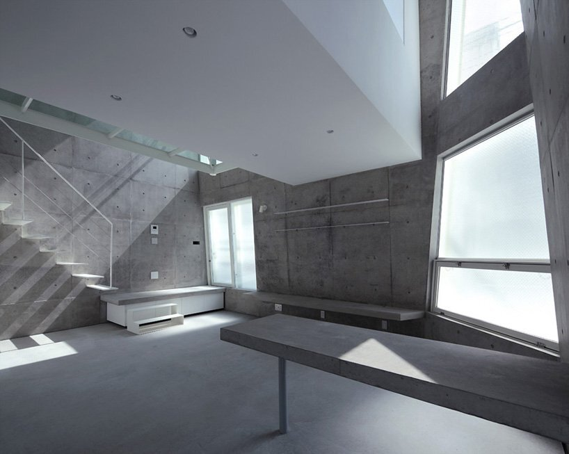 Small Corner House - A.L.X. Junichi SampeI - Japan - Living Area - Humble Homes