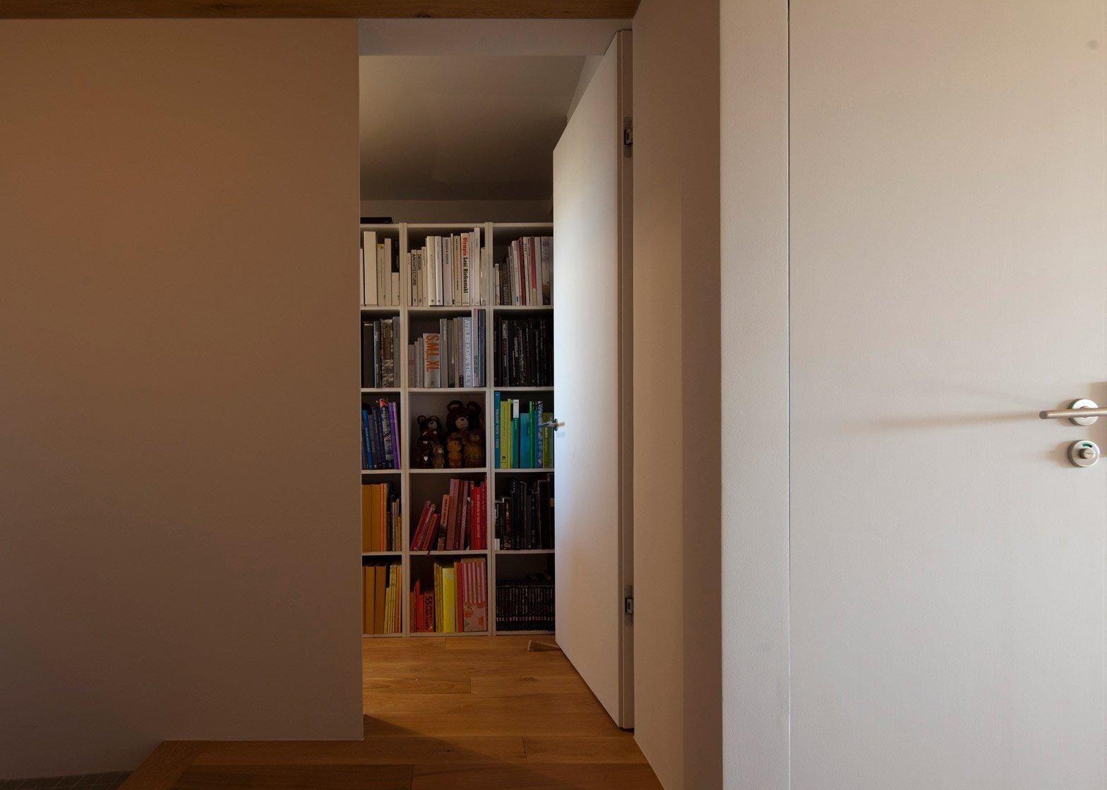 Apartment Machiya - Yumiko Miki Architects - Tokyo - Bookshelves - Humble Homes