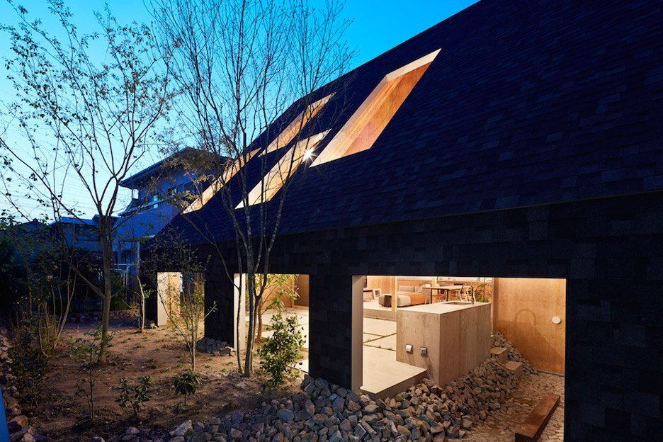 House in Anjo - Suppose Design Office - Japan - Exterior Night - Humble Homes