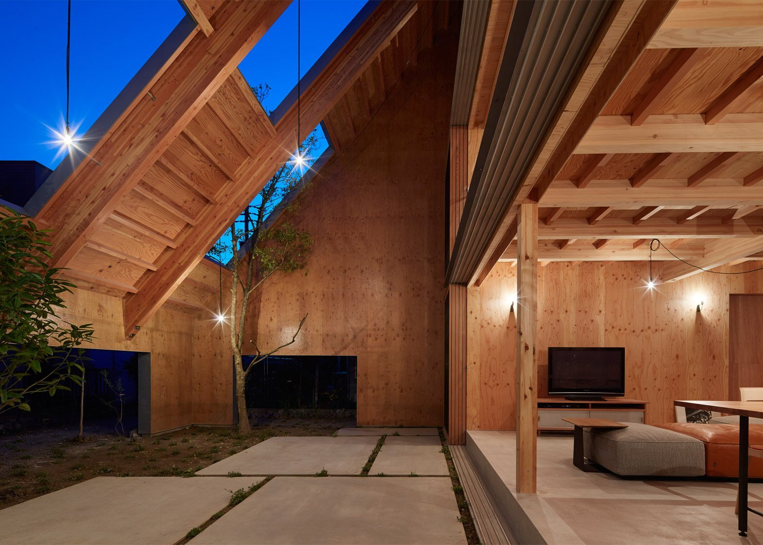 House in Anjo - Suppose Design Office - Japan - Sheltered Exterior - Humble Homes