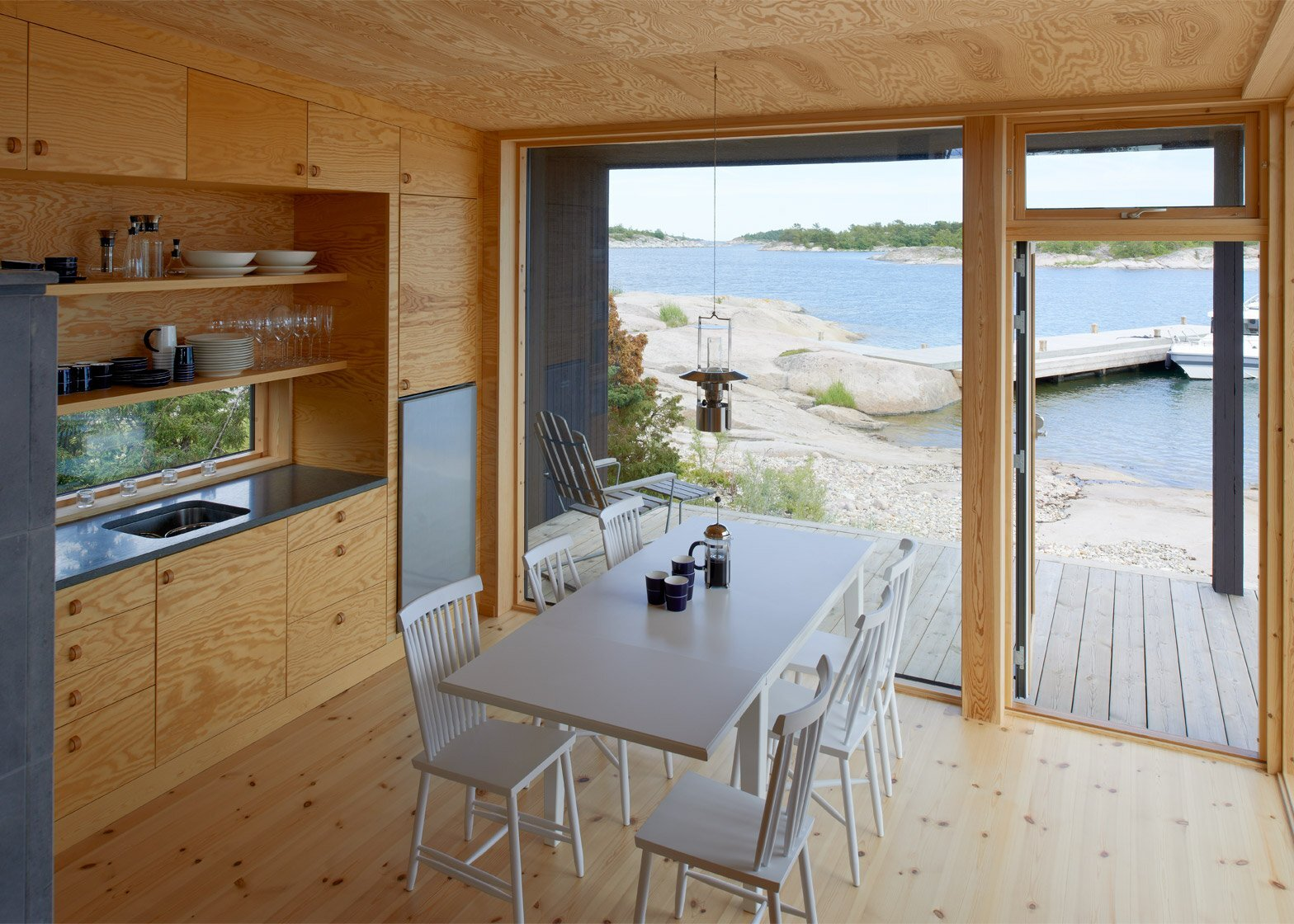 Small Cabins - Margen Wigow Arkitektkontor - Stockholm Archipelago - Kitchen - Humble Homes