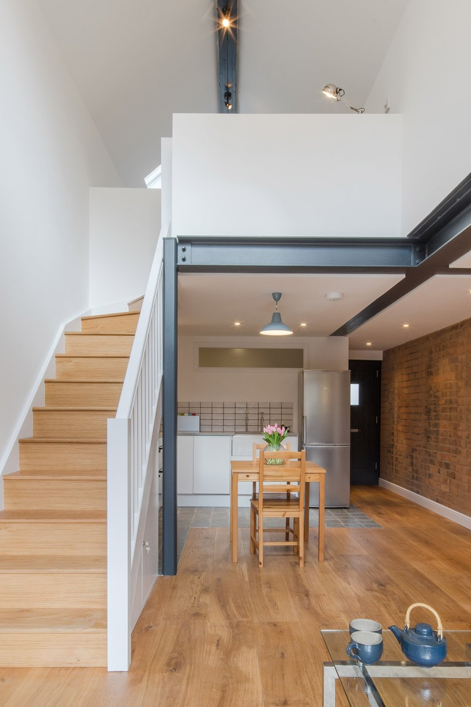 tiny victorian coach house gets a modern revamp by intervention architects. Black Bedroom Furniture Sets. Home Design Ideas