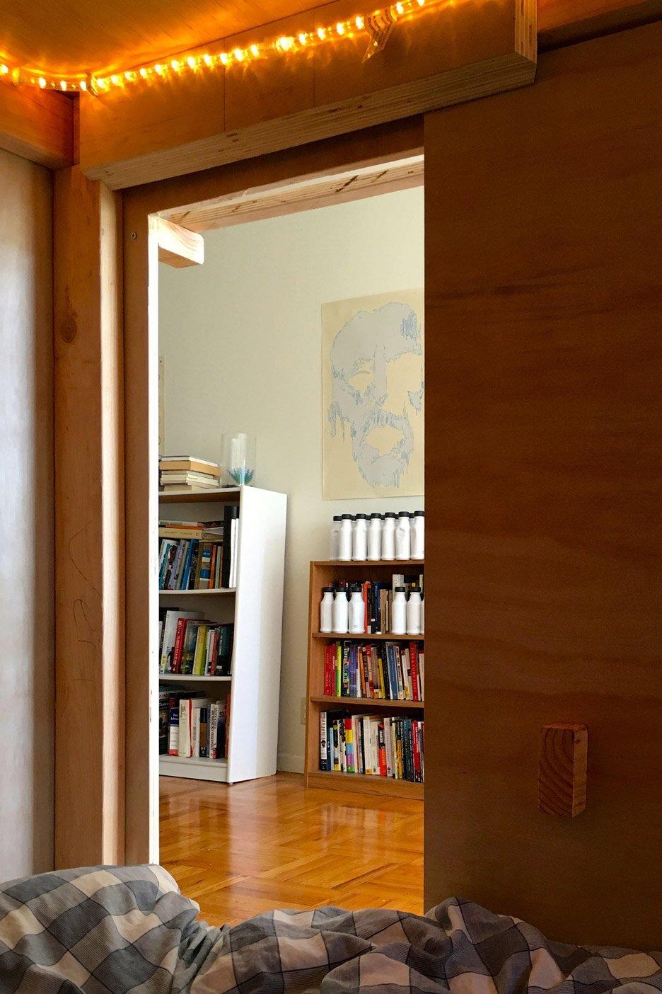 Living in a Pod - Peter Berkowitz - San Francisco - Door open - Humble Homes