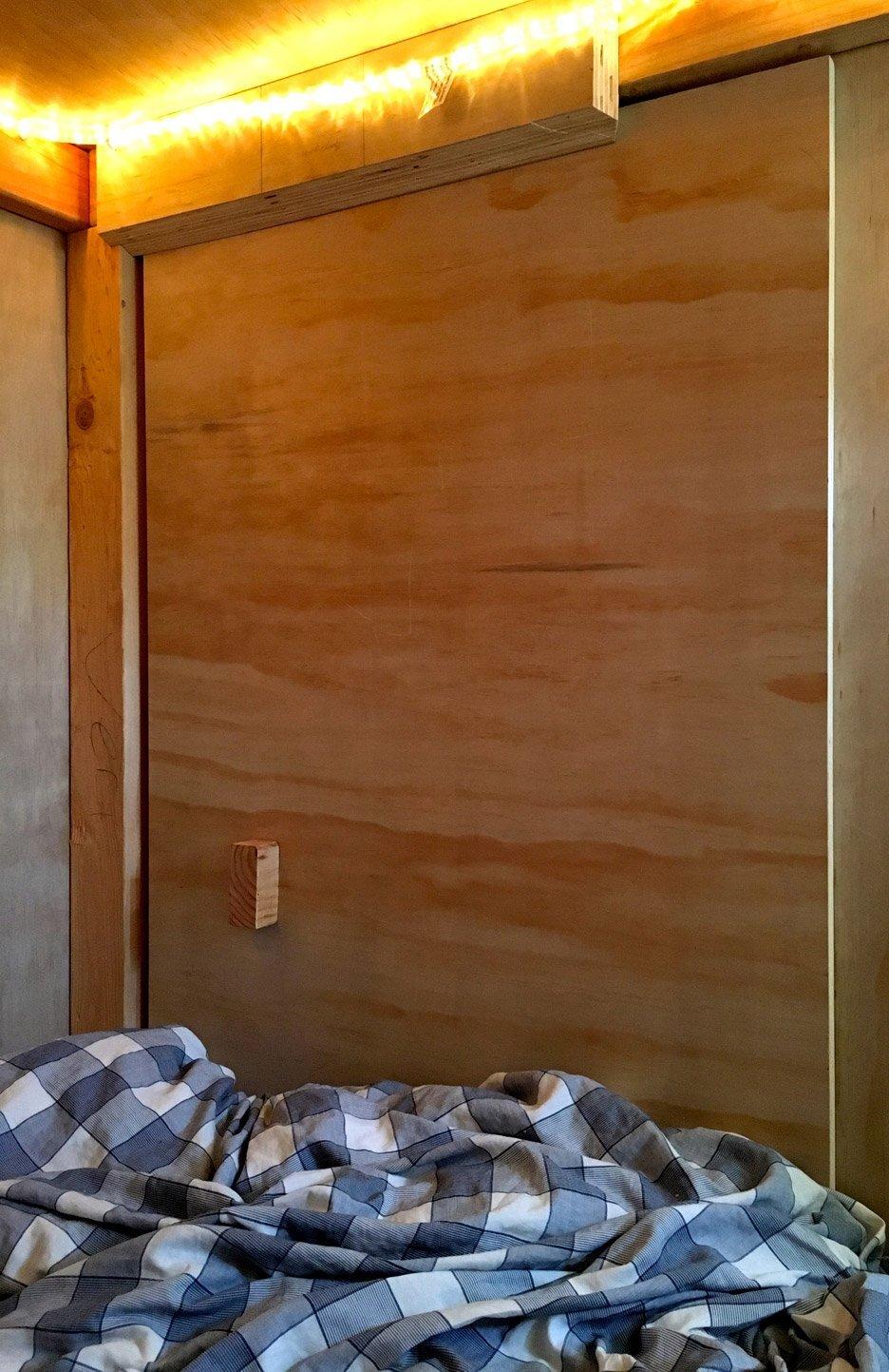 Living in a Pod - Peter Berkowitz - San Francisco - Door shut - Humble Homes