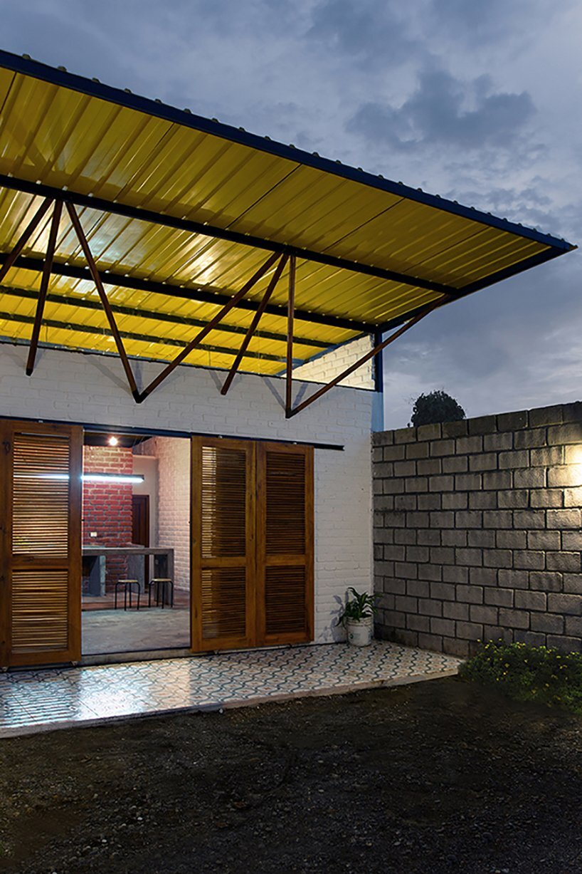 Social House Project - Natura Futura Arquitectura - Ecuador - Exterior Back - Humble Homes