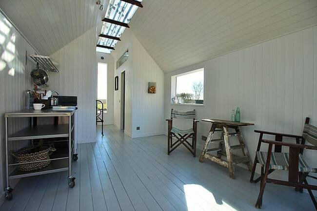 Tiny House -  Contemporary Shepherd Huts - Thomas Alabaster - Living Area - Humble Homes