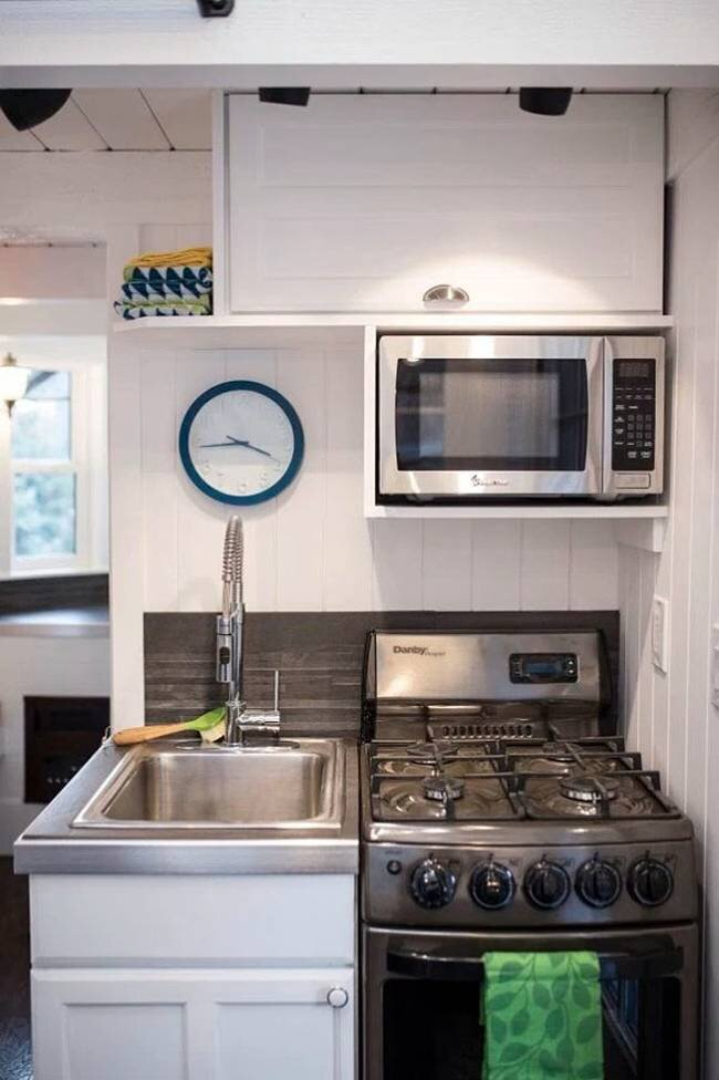 Tiny House by Patrick and Sarah Romero - Utah - Kitchen - Humble Homes