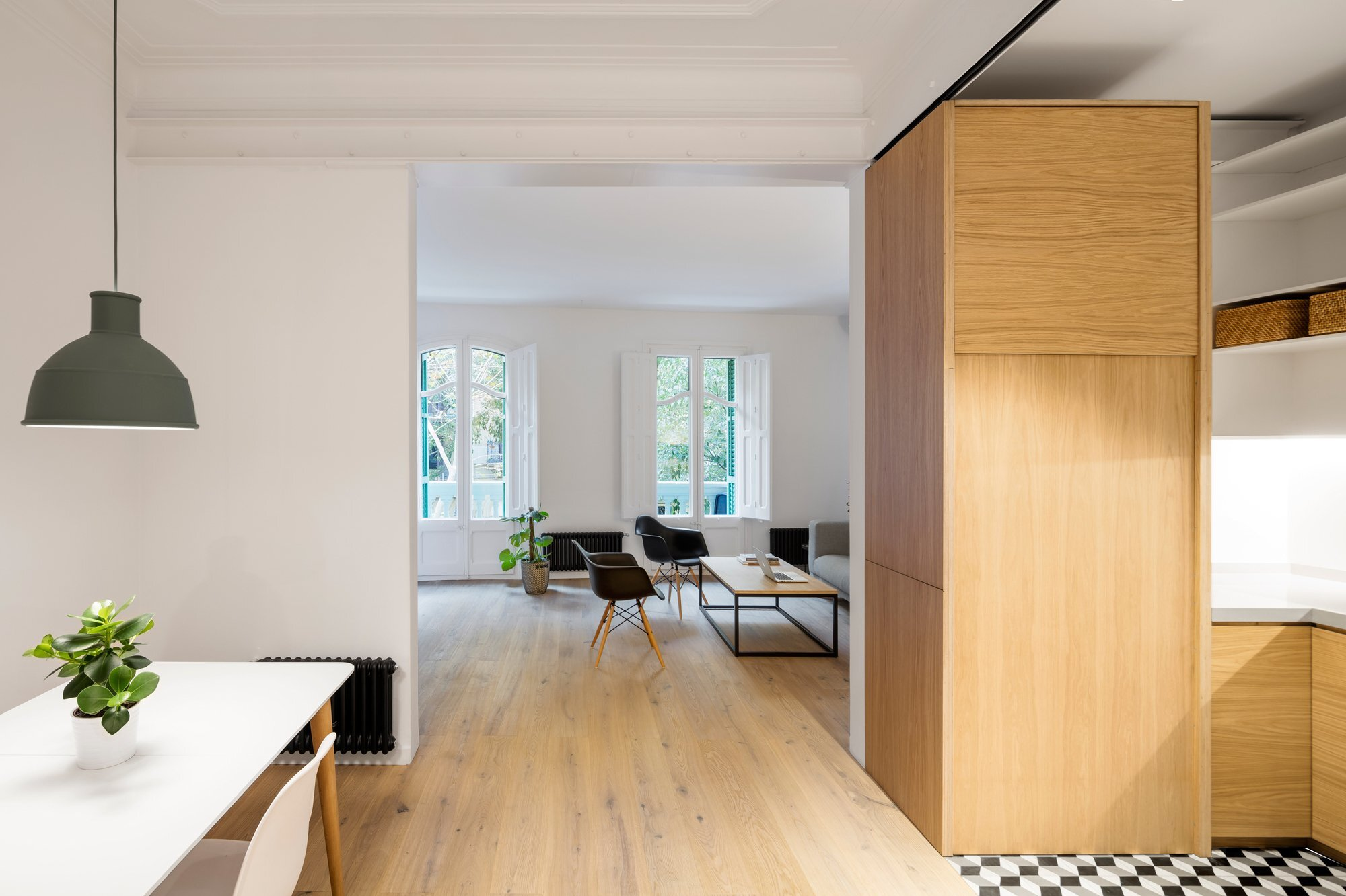 Alan's Apartment Renovation - EO arquitectura - Spain - Living Area - Humble Homes