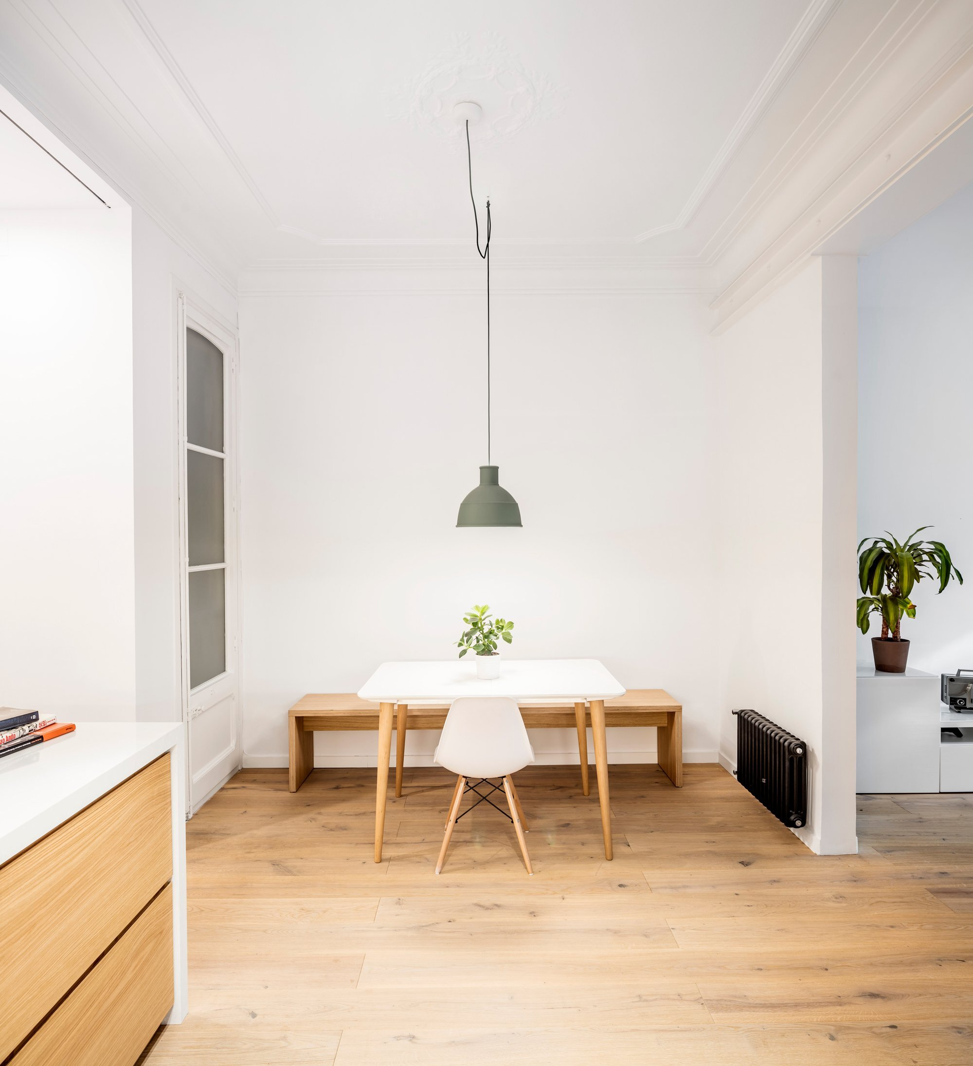 Alan's Apartment Renovation - EO arquitectura - Spain - Study Area - Humble Homes