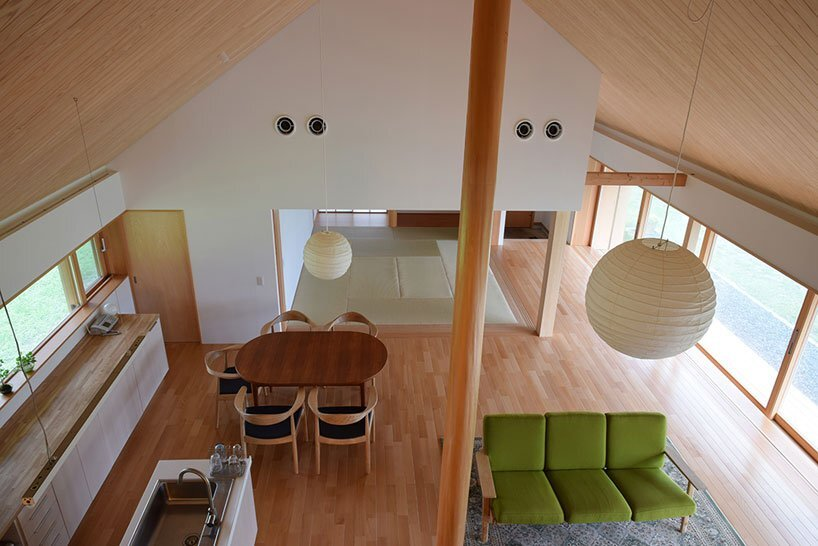 House in Atsugi - Kikkawa Architects + Hisashi Ikeda architects - Japan - Living Area from Above - Humble Homes