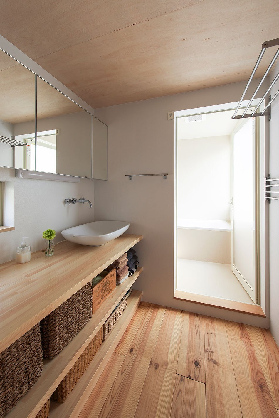 Small House in Takarazuka - Coo Planning - Japan - Bathroom - Humble Homes