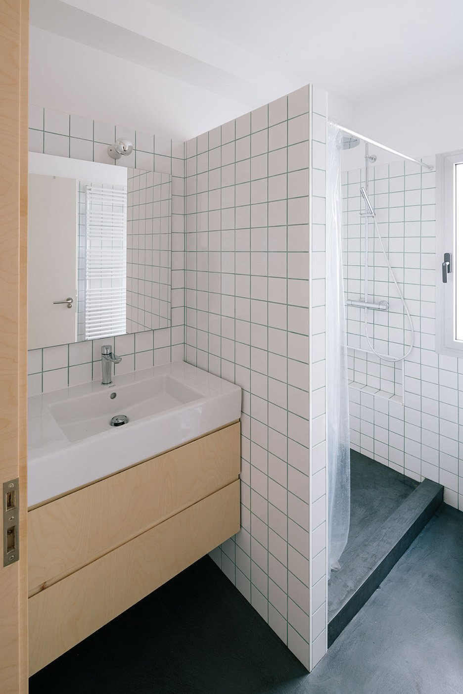 Casa MD - Small Apartment - PYO Arquitectos - Madrid - Shower - Humble Homes