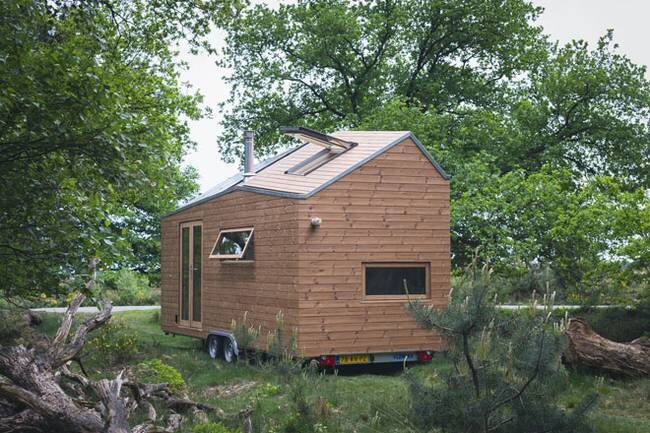 Dutch Minimalist Tiny House - Marjolein Jonker - The Netherlands - Exterior - Humble Homes