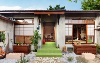Living Experiment Studio – An Old House Gets a Retro Makeover