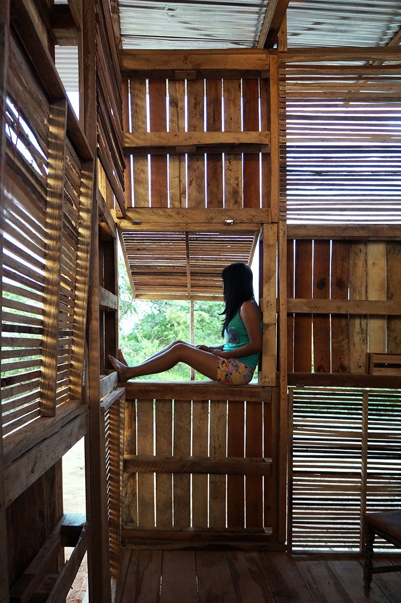 Proyecto Chacras - Natura Futura Arquitectura - Ecuador - Interior Window - Humble Homes