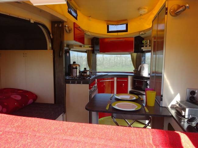 Micro Camper - Jurgen Jas - The Netherlands - Kitchen and Dining - Humble Homes