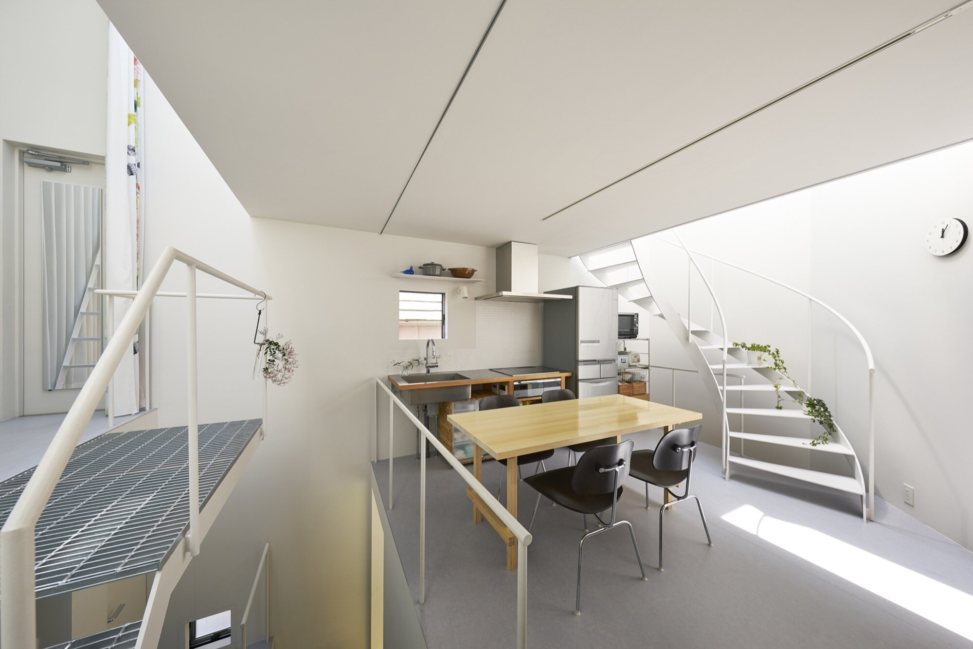 Ondo - MAMM DESIGN - Tokyo - Family Room - Humble Homes