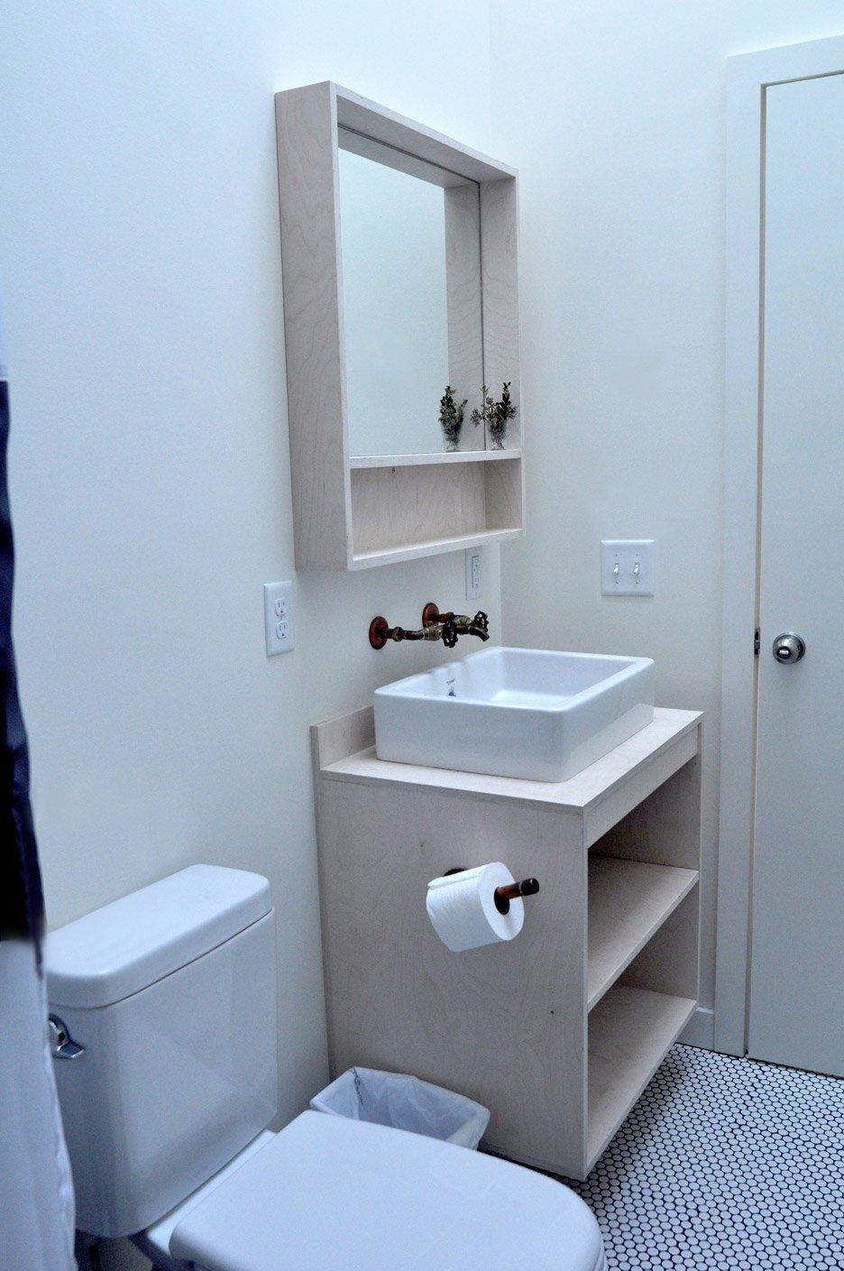 Tree House - Nicholas Waldman - Massachusetts - Bathroom - Humble Homes