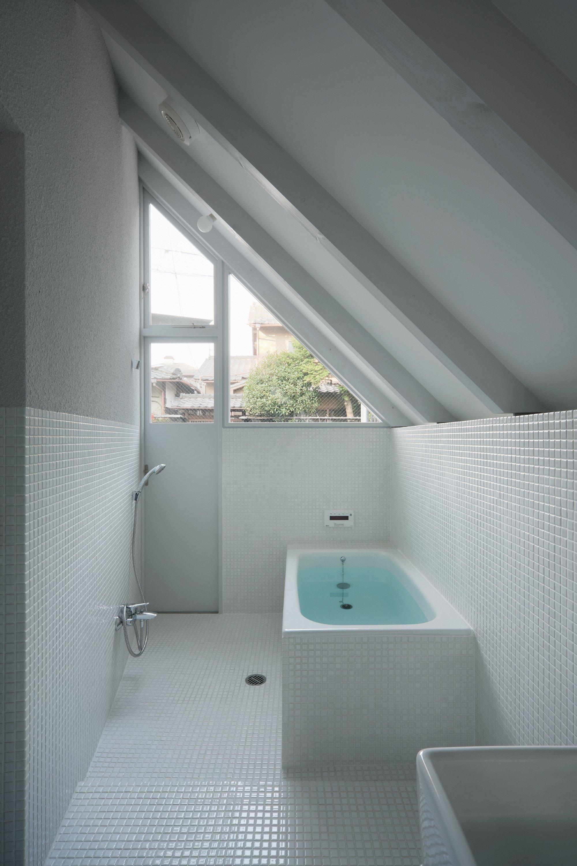 o-house-hideyuki-nakayama-architecture-japan-bathroom-humble-homes