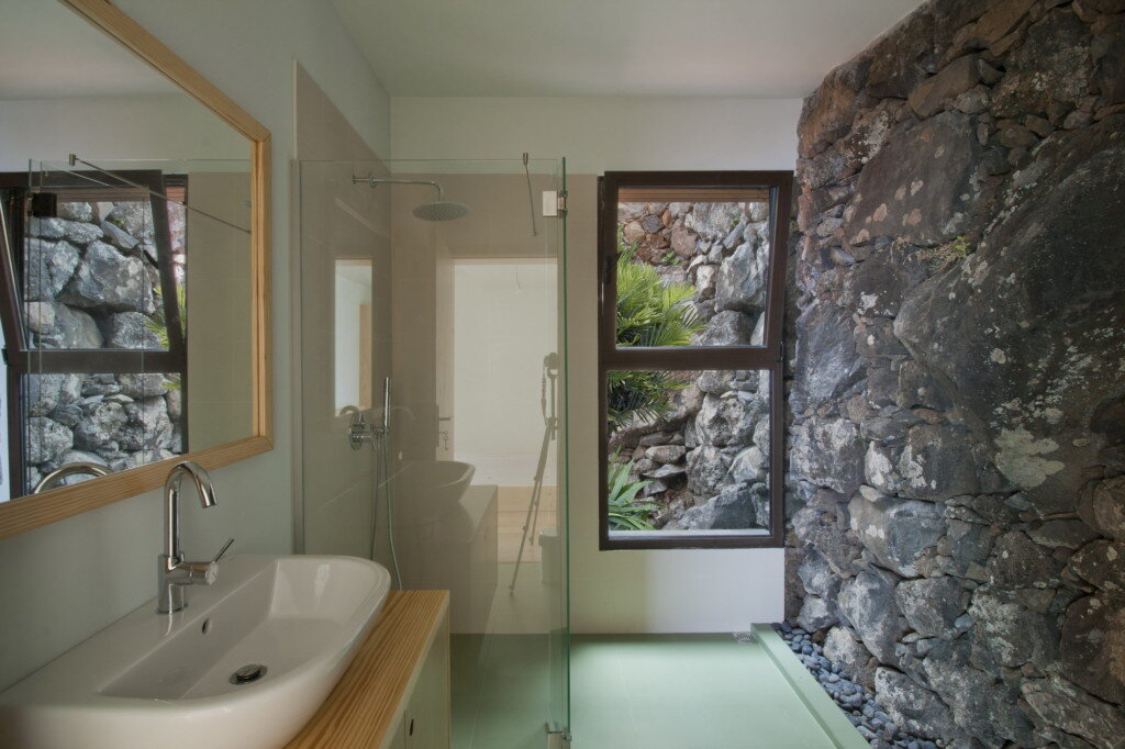 uni-mayer-and-selders-portugal-bathroom-humble-homes