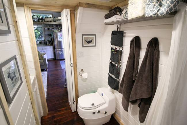 urban-cabin-tiny-portable-cedar-cabins-idaho-bathroom-humble-homes