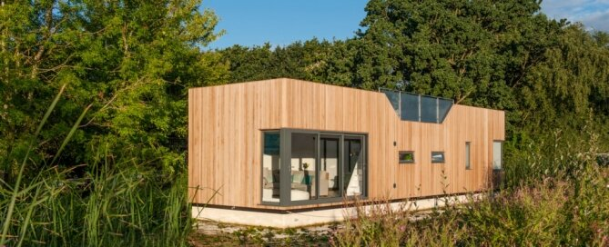 chichester-floating-home-baca-architects-london-exterior-humble-homes