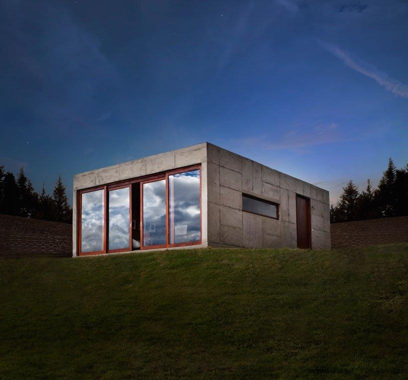 El Quinche A Concrete Cabin In The Woods Of Ecuador