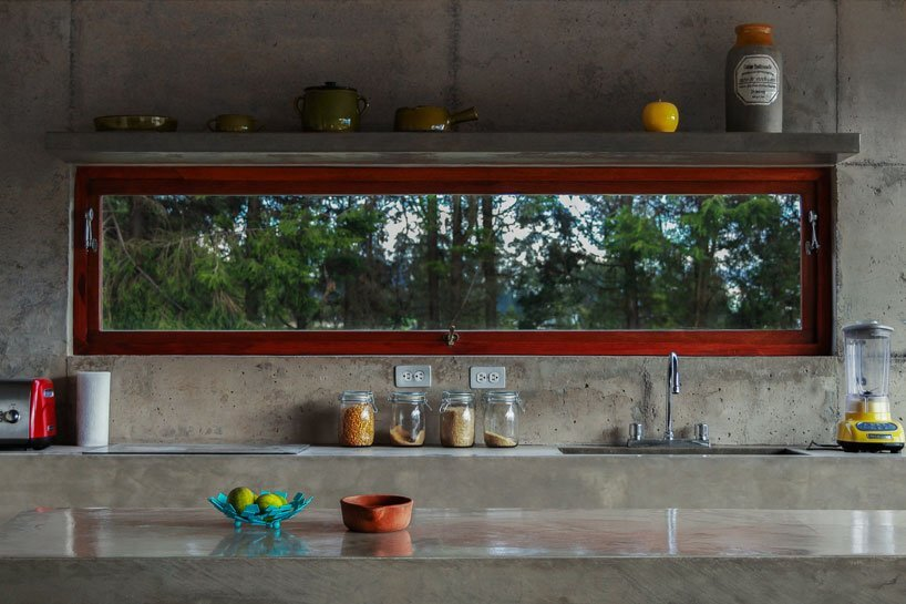 el-quinche-felipe-escuduro-ecuador-kitchen-window-humble-homes