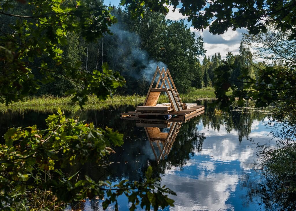 estonian-academy-of-arts-b210-floating-timber-pavilion-b210-and-estonian-academy-of-arts-soomaa-national-park-1-humble-homes