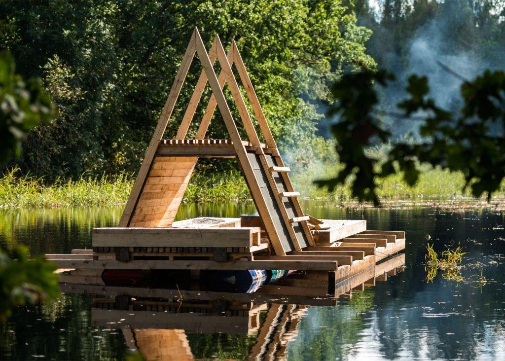 estonian-academy-of-arts-b210-floating-timber-pavilion-b219-and-estonian-academy-of-arts-soomaa-national-park-2-humble-homes
