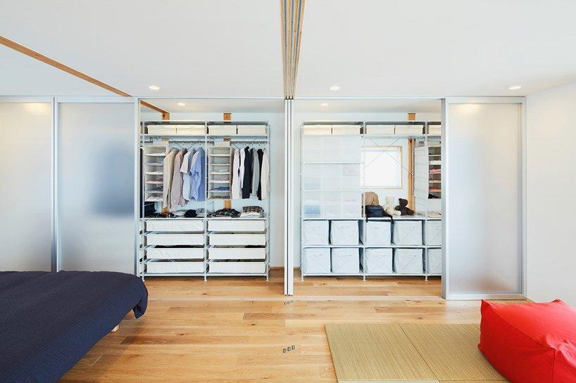 okazaki-tree-house-muji-japan-bedroom-humble-homes