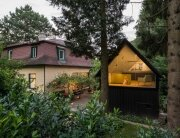 the-enchanted-shed-sue-architekten-austria-exterior-humble-homes