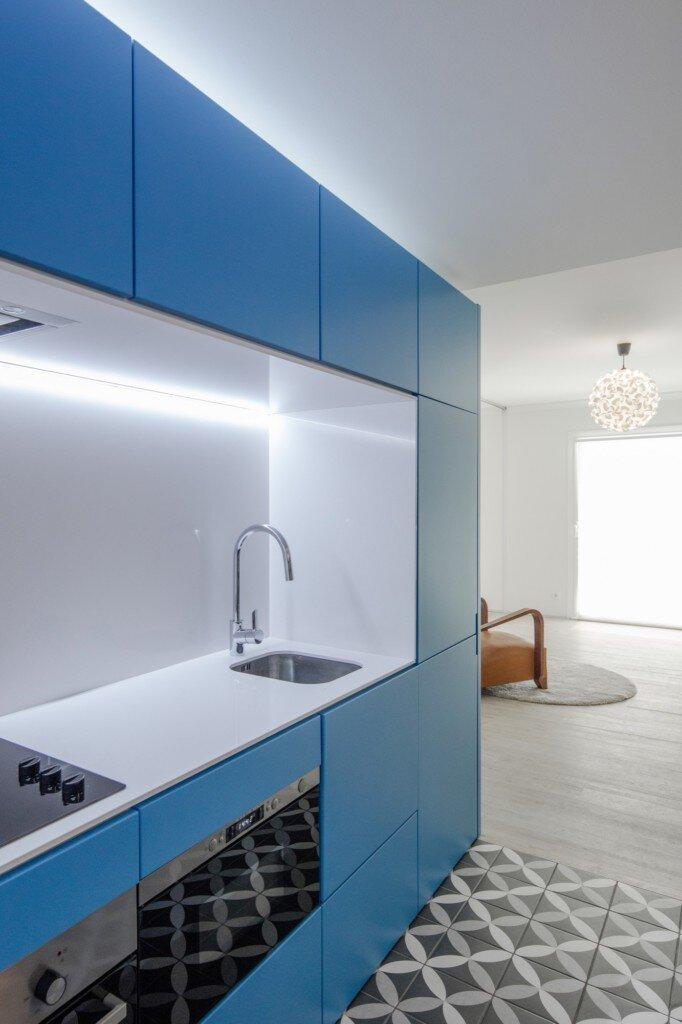 caminha-refurbishment-tiago-do-vale-arquitectos-portugal-kitchen-humble-homes