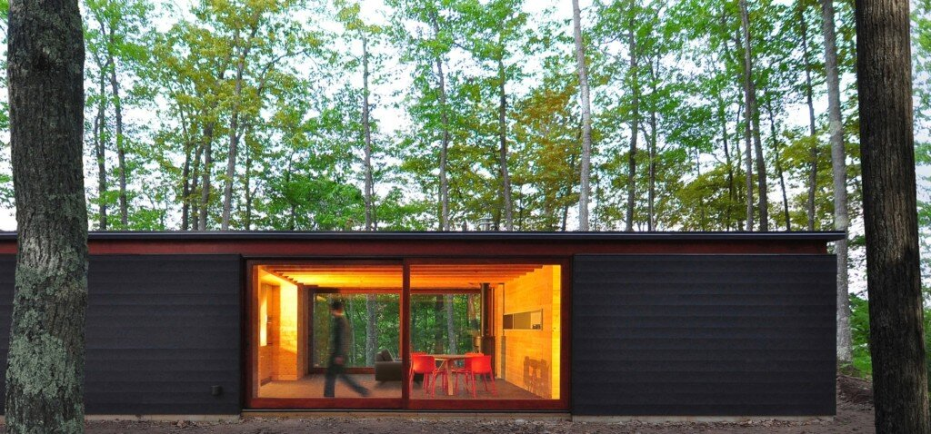linear-cabin-johnsen-schmaling-architects-wisconsin-exterior-patio-doors-humble-homes