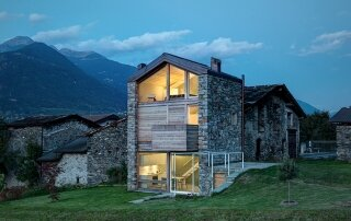 SV House – A Small House Created from the Ruins of an Existing Building