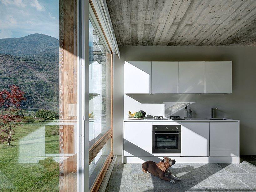 rocco-borromini-sv-house-italy-kitchen-humble-homes