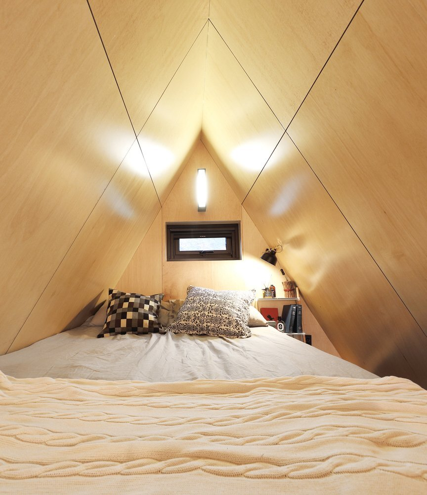 slow-town-tiny-house-the-plus-partners-dnc-architects-south-korea-bedroom-humble-homes