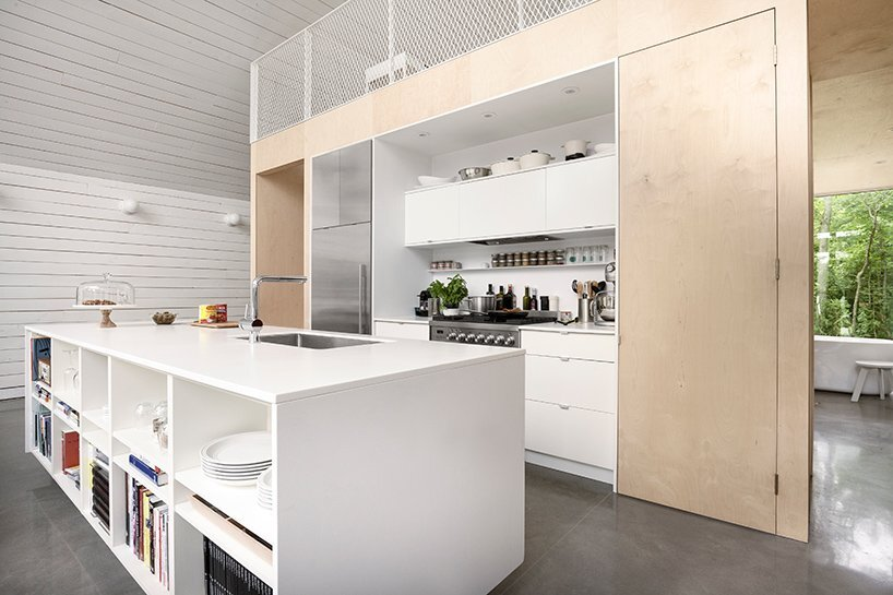 chalet-de-la-plage-la-shed-architecture-france-kitchen-humble-homes