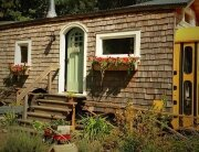 Converted Bus - Gypsy - Von Thompson - Exterior - Humble Homes