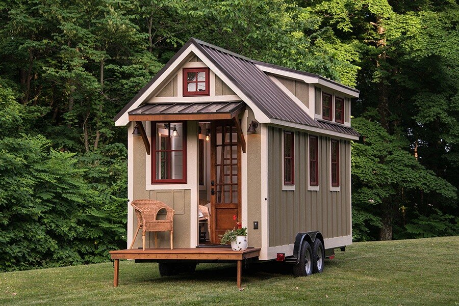 vivood a prefab tiny house powered by solar panels. Black Bedroom Furniture Sets. Home Design Ideas